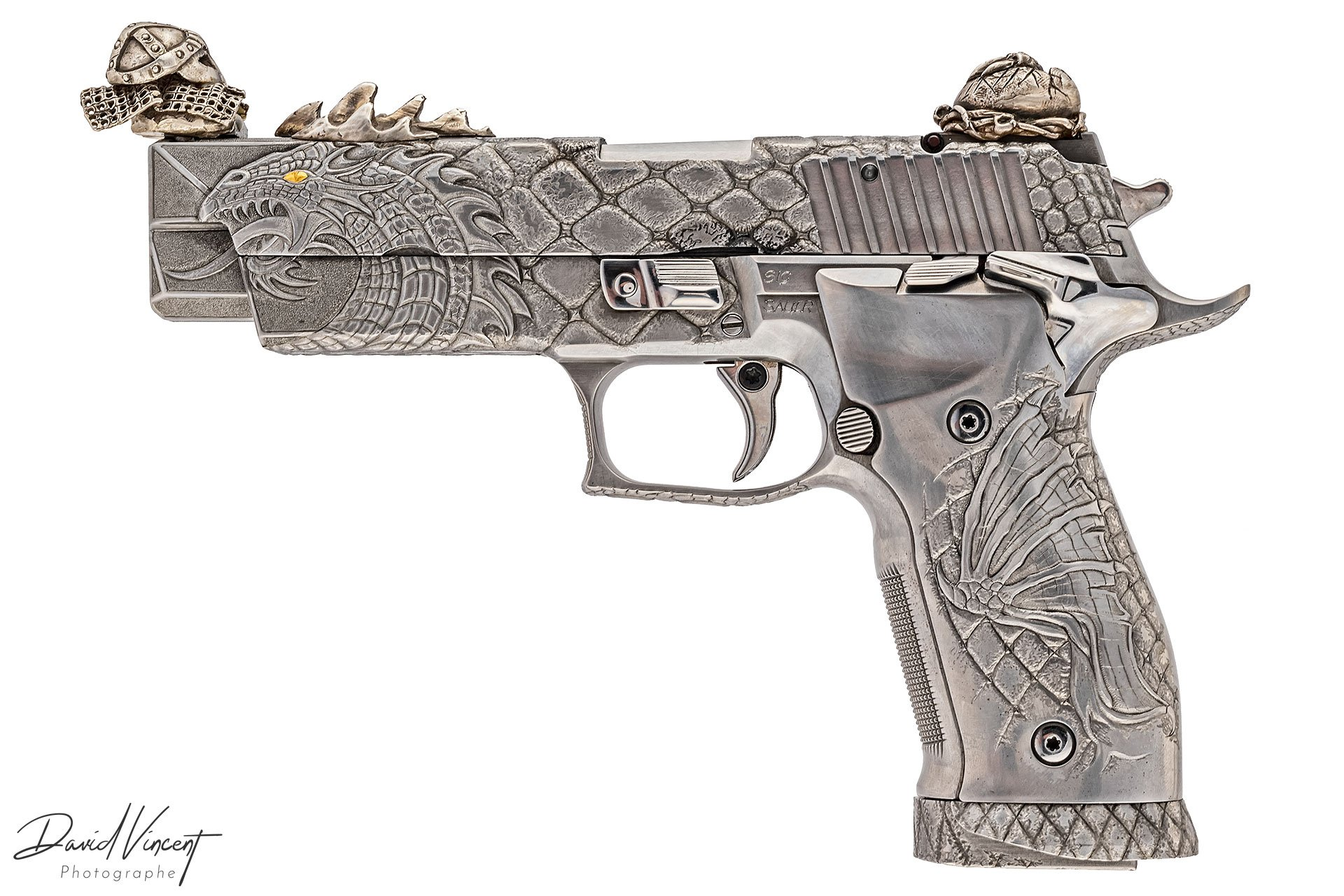 SIG P226 X-Five Dragon Engraved
